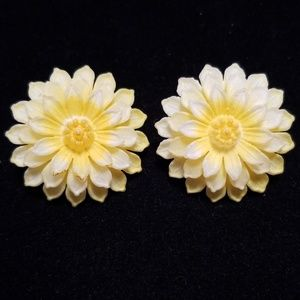 Vintage Mid Century Floral Clip On Earrings EUC